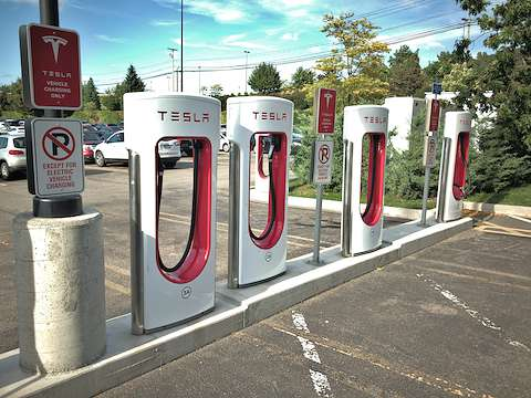 4 electric charging stations